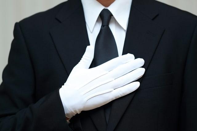 葬儀社のスタッフ